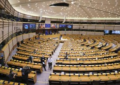 Evropski parlament odobril začetek pogajanj o covidnem potrdilu