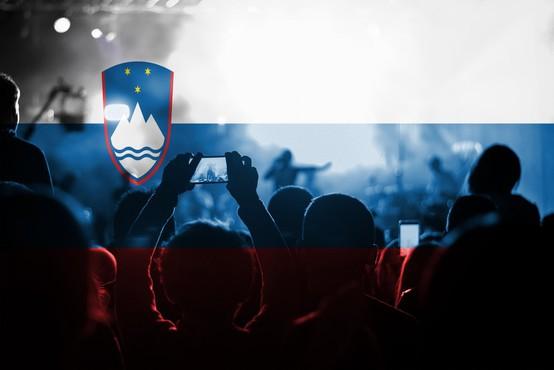 Kdo Slovence kosa, polarizira, in kdo ima od tega največ koristi?