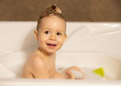 V nekaterih dodatkih otroškim kopelim tudi azobarvila in dišave