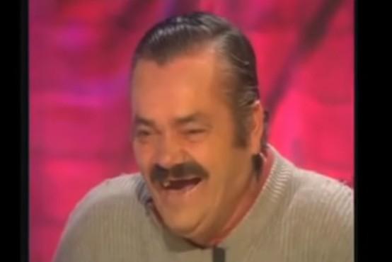 Moški, ki je zaradi svojega neustavljivega smeha postal viralni MEME, umrl star 65 let!