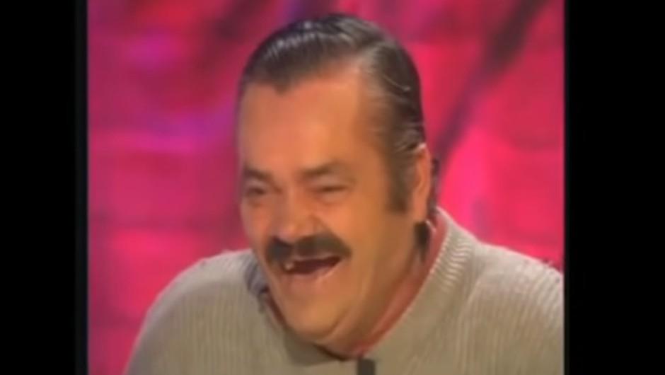 Moški, ki je zaradi svojega neustavljivega smeha postal viralni MEME, umrl star 65 let! (foto: Youtube-meme)