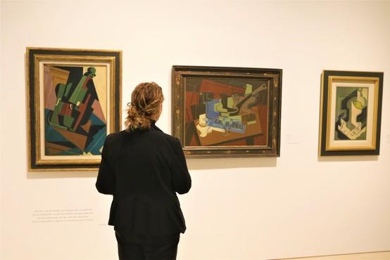Za Picassovo sliko Portret sedeče ženske v zelenem kostimu naj bi iztržili 18 milijonov