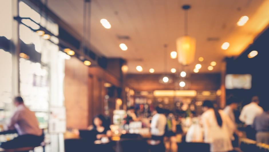 V veljavi milejši pogoji glede poslovanja storitvenih lokalov, trgovin in nastanitvenih obratov (foto: Shutterstock)