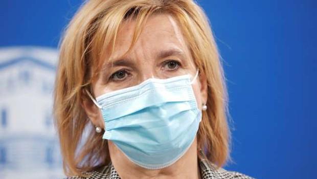 Beovićeva za razmislek o odprtju cepljenja za vse zainteresirane (foto: Daniel Novakovič/STA)