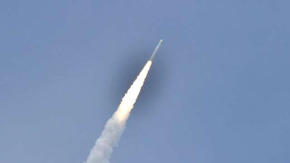 Deli kitajske rakete bodo v prihodnjih dneh nenadzorovano padli na Zemljo (foto: Xinhua/STA)