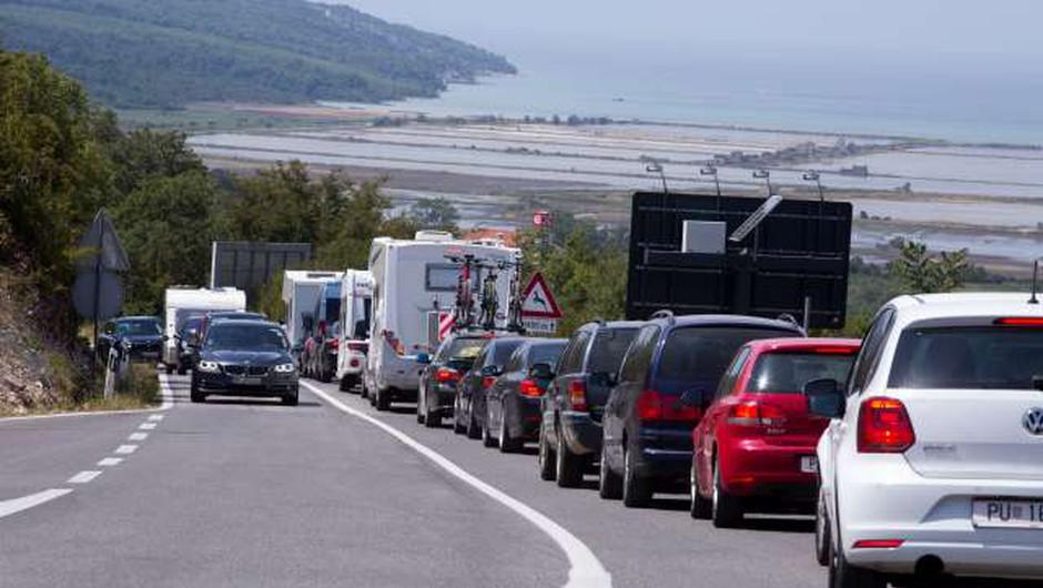 Od ponedeljka do konca maja začasno zaprt mejni prehod Sečovlje (foto: Hina/STA)