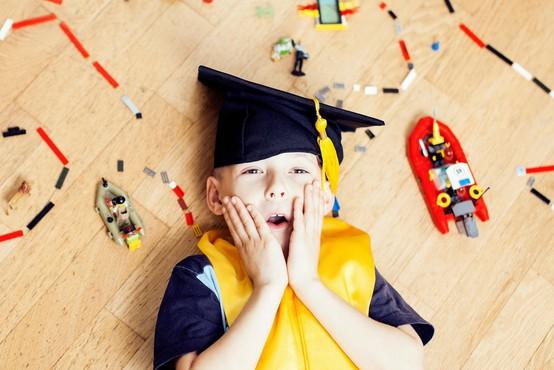 12-letni genij je v zgolj letu dni dokončal srednjo šolo in diplomiral na fakulteti