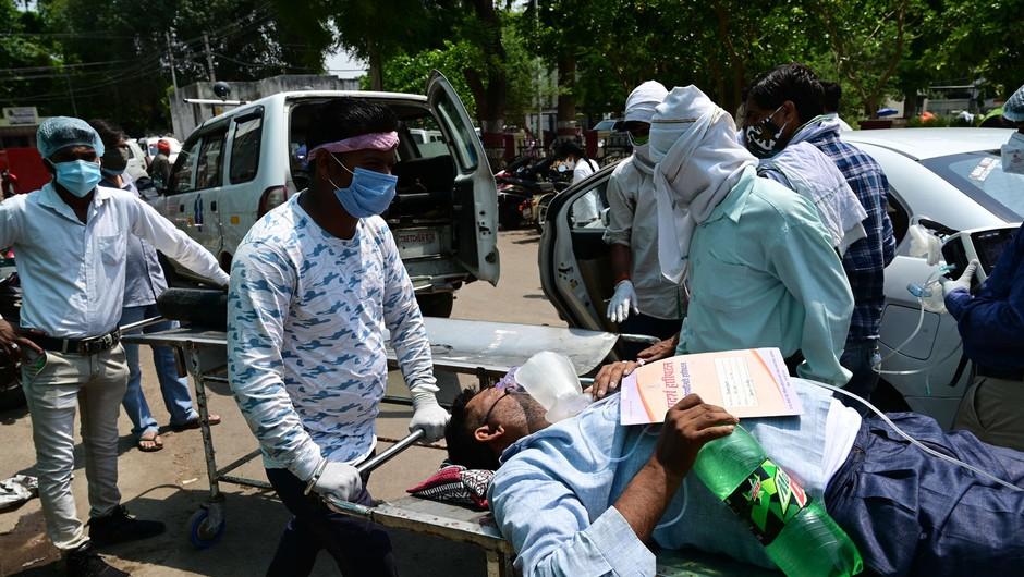 V Indiji rekordno dnevno število žrtev covida-19 (foto: Profimedia)