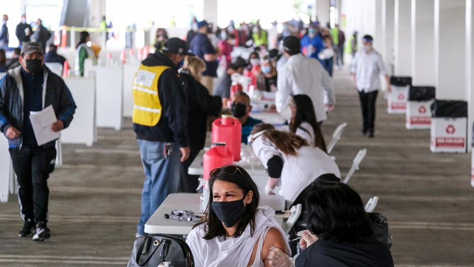 Biden napovedal, da bo do 4. julija v ZDA cepljenih 70 odstotkov prebivalstva (foto: Shutterstock)