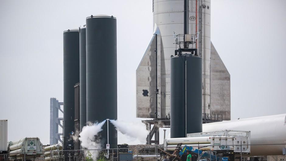 SpaceX prvič uspešno pristal svojo raketo Starship (foto: Profimedia)
