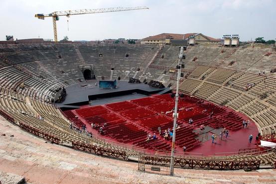 Arena v Veroni bi pred poletno sezono zvišala število obiskovalcev na koncertih s 1000 na 6000
