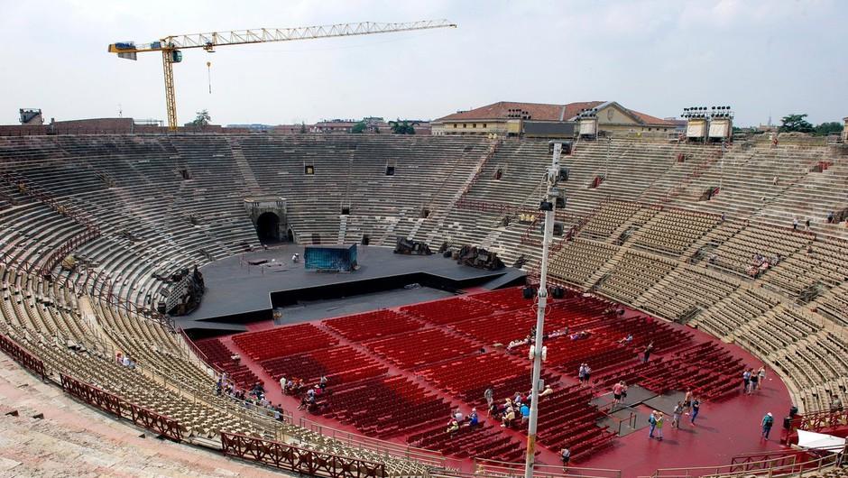 Arena v Veroni bi pred poletno sezono zvišala število obiskovalcev na koncertih s 1000 na 6000 (foto: profimedia)