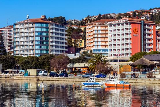 Hotelirji na slovenski obali opažajo, da je interes gostov za poletne termine velik