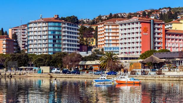 Hotelirji na slovenski obali opažajo, da je interes gostov za poletne termine velik (foto: Shutterstock)