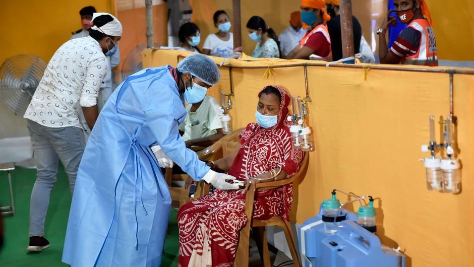 V Indiji več kot 400 tisoč dnevnih okužb petič v tednu dni (foto: profimedia)
