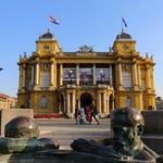 Zagreb: Vabilo s podpisom umetnikov (foto: Foto: Croatian National Theatre, Sebastijan Carek)