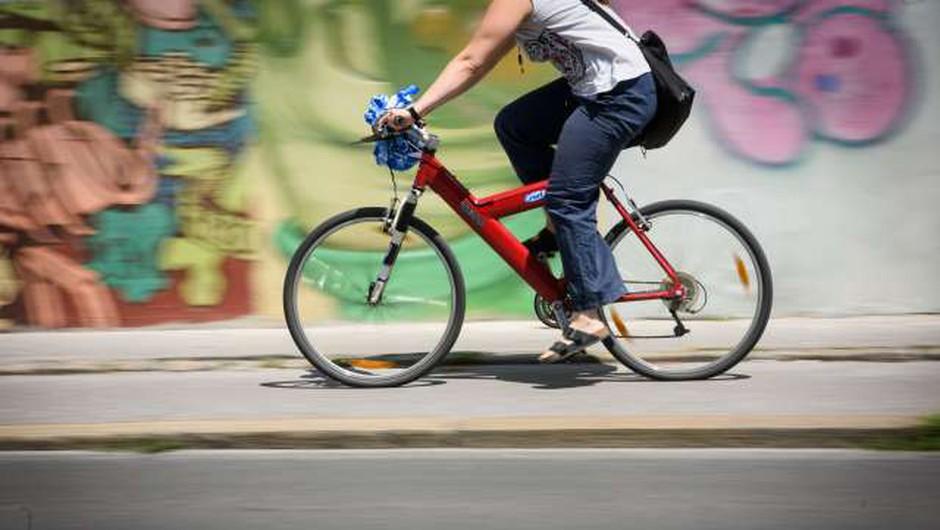 Kolesarji med najranljivejši v prometu, a so pogosto sami vzrok nesreče (foto: Nebojša Tejić/STA)