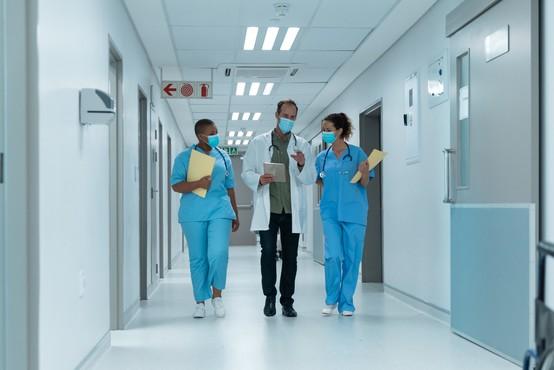 Katastrofalne razsežnosti pandemije bi lahko preprečili