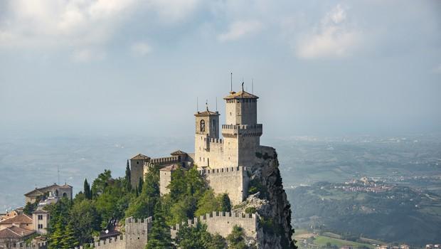 San Marino bo od ponedeljka ponujal turistom cepljenje z ruskim sputnikom (foto: profimedia)