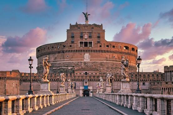 Italija bo v nedeljo odpravila obvezno karanteno za članice EU, Veliko Britanijo in Izrael