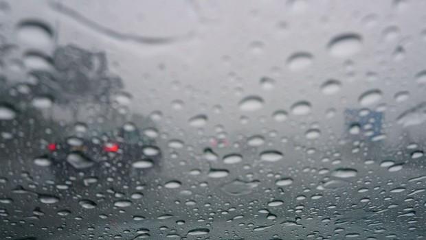 Dež ovira tudi promet, na gorenjski avtocesti že dve prometni nesreči (foto: Profimedia)