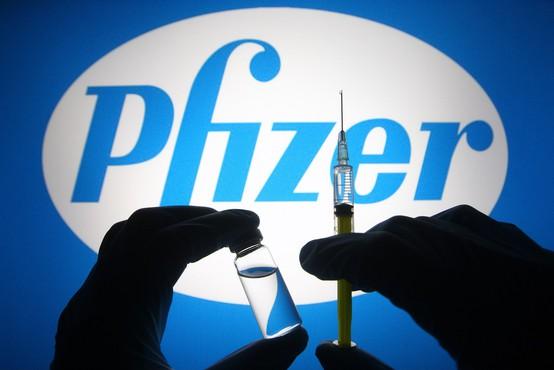 Ema: Pfizerjevo cepivo se lahko en mesec shranjuje v hladilniku
