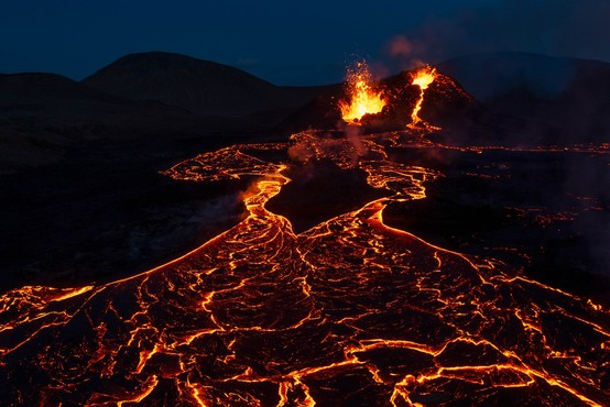 Novi vulkan na Islandiji (o fenomenu Fagradalsfjalla piše Vid Legradić)