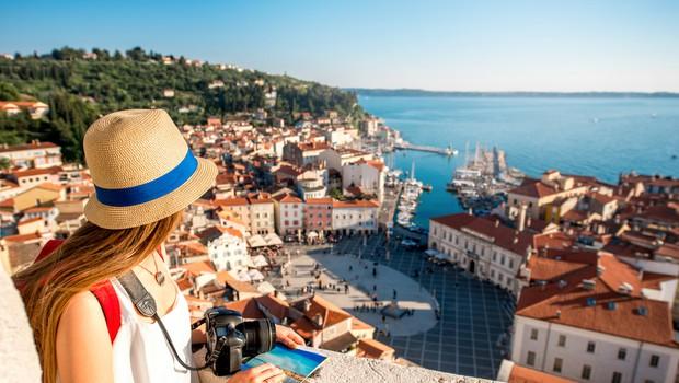 Slovenci spet počitnikujemo, od 26. aprila unovčili za 1,6 milijonv evrov turističnih bonov (foto: Shutterstock)