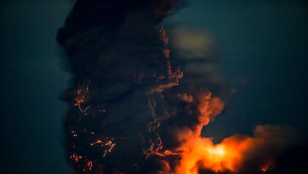 Eden najdejavnejših vulkanov na svetu, vulkan Njiragongo v Kongu, spet silovito izbruhnil (foto: profimedia)