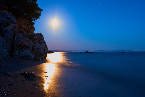 O majski super luni (in kako je tista iz leta 1912 potopila Titanik)