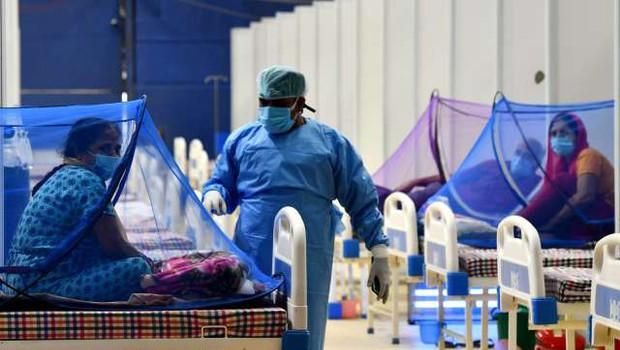 Iz Indije poročajo o novih oblikah nevarnih glivičnih okužb pri covidnih bolnikih (foto: Xinhua/STA)