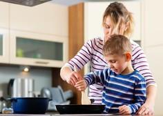 Slovenska gospodinjstva v letu 2020 močno zmanjšala potrošnjo