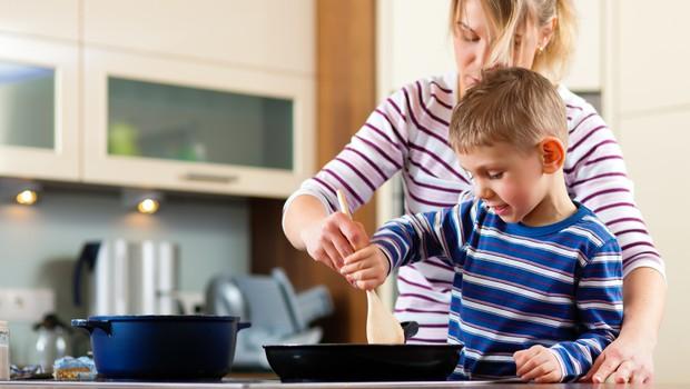 Slovenska gospodinjstva v letu 2020 močno zmanjšala potrošnjo (foto: Profimedia)