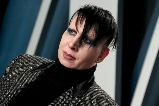 Policija zaradi domnevnega napada izdala nalog za aretacijo Marilyna Mansona
