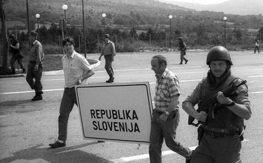 Srdjan Živulović - od prvega fotoaparata pri trinajstih letih do Pulitzerjeve nagrade