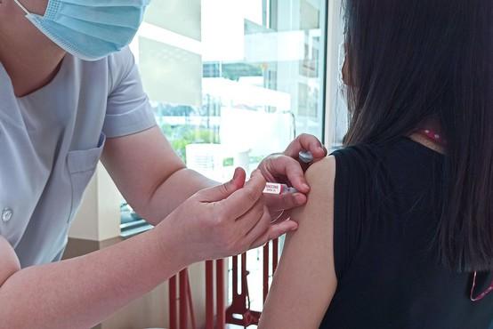Doslej v Sloveniji porabili 1.015.611 odmerkov cepiva proti covidu-19
