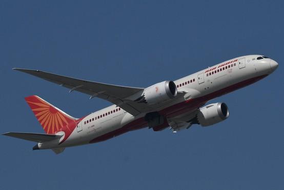 Zaradi netopirja, ki je zašel v kabino, se je boeing Air Indie po vzletu moral vrniti na letališče