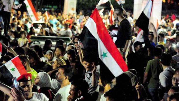 Na slavju po vnovični izvolitvi predsednika Bašarja al Asada umrli najmanj dve osebi (foto: profimedia)