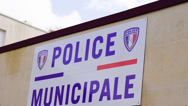 Francoska policija išče nasilneža, ki je streljal na nekdanjo partnerko in policiste (foto: profimedia)