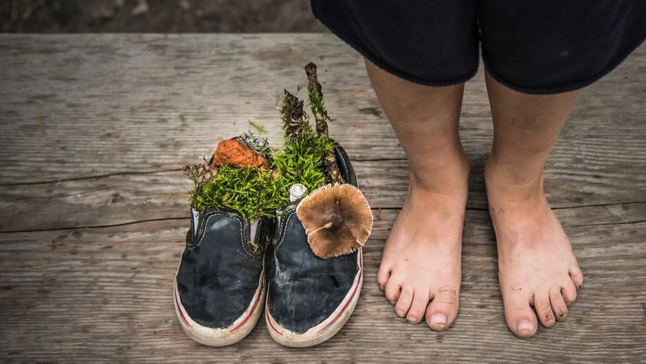 Dan bosih nog (za več stika z zemljo in številne druge zdravilne dobrobiti) (foto: profimedia)