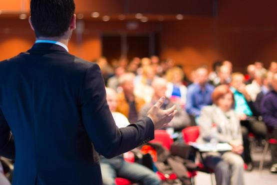 Sproščajo se omejitve tudi v kongresni dejavnosti, odslej dovoljena polovična zasedenost fiksnih sedišč