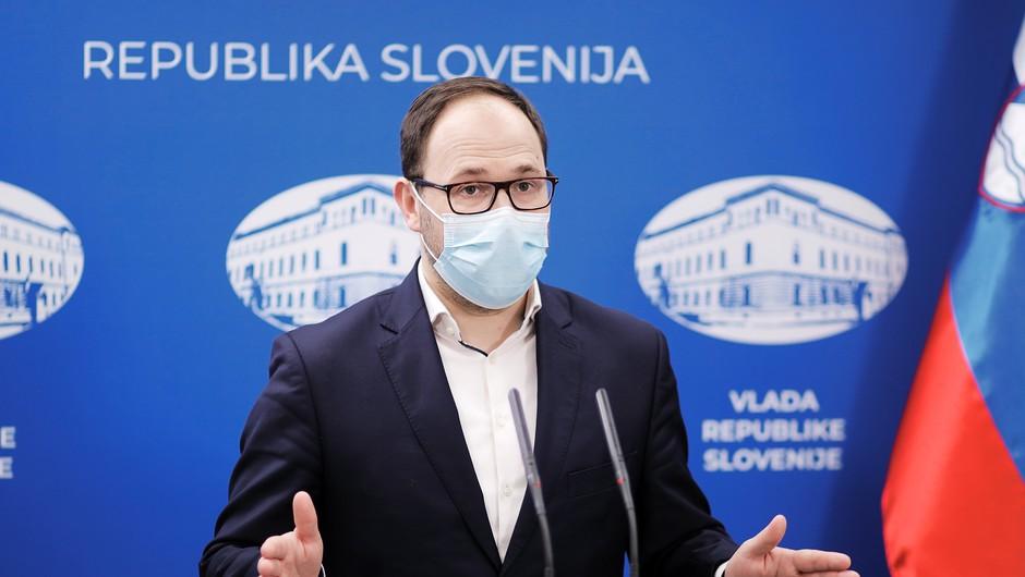 Veljavnost brezplačnih vozovnic podaljšana za leto dni (foto: Daniel Novakovič/STA)
