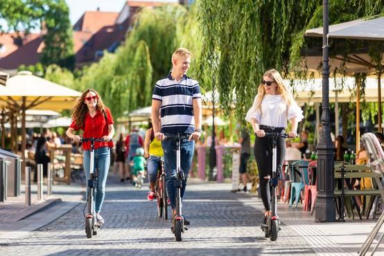 Odprava večine ukrepov v Sloveniji predvidena v drugi polovici junija
