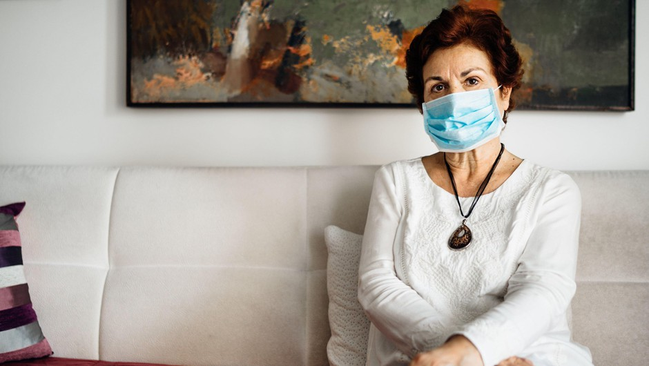 V sredo potrdili 273 okužb, umrli trije bolniki (foto: Profimedia)