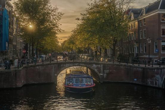 Nizozemska odprla kulturne ustanove in notranje prostore gostinskih lokalov