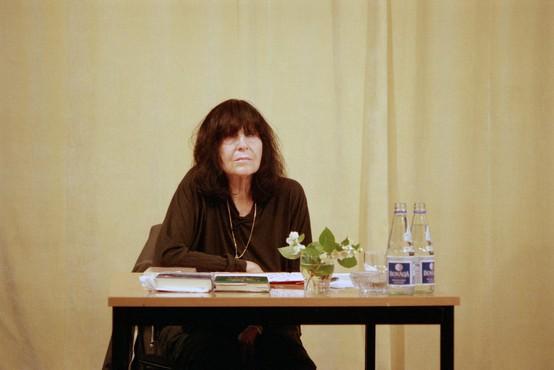 Slovo avstrijske pisateljice, dame eksperimentalne literature Friederike Mayroecker