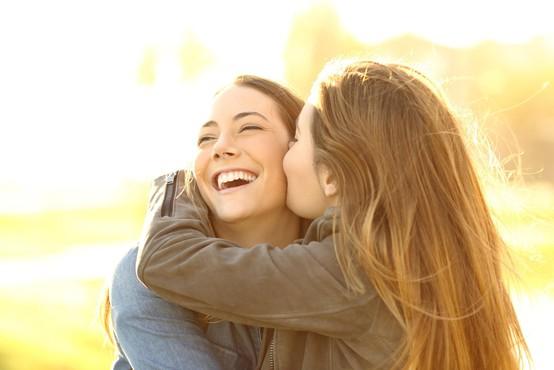 Če želite biti srečnejši, najprej zadovoljite to človeško potrebo (zdi se nam, da smo jo vsi malo zanemarili)