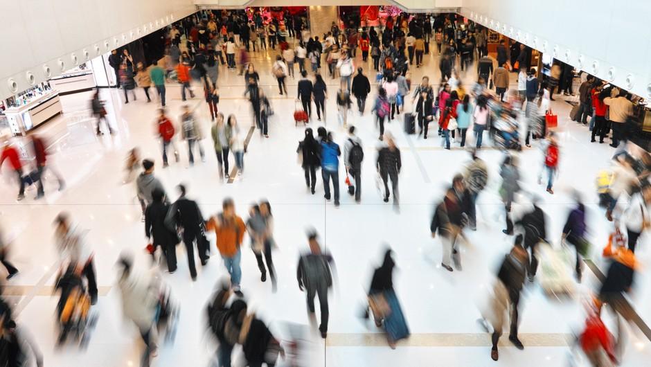 Z današnjim dnem dodatne sprostitve na področju kongresne dejavnosti, ponujanja nastanitev in v trgovskih centrih (foto: Shutterstock)