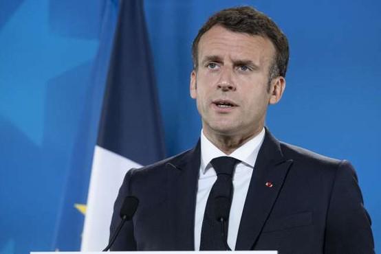 Moški na jugu Francije oklofutal predsednika Macrona