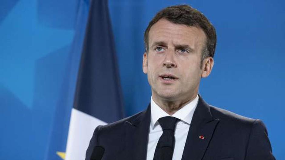 Moški na jugu Francije oklofutal predsednika Macrona (foto: Thierry Monasse/pool/STA)